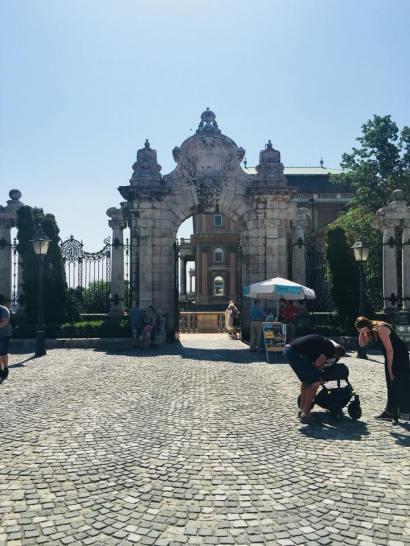 Buda Castle gate - Budapest